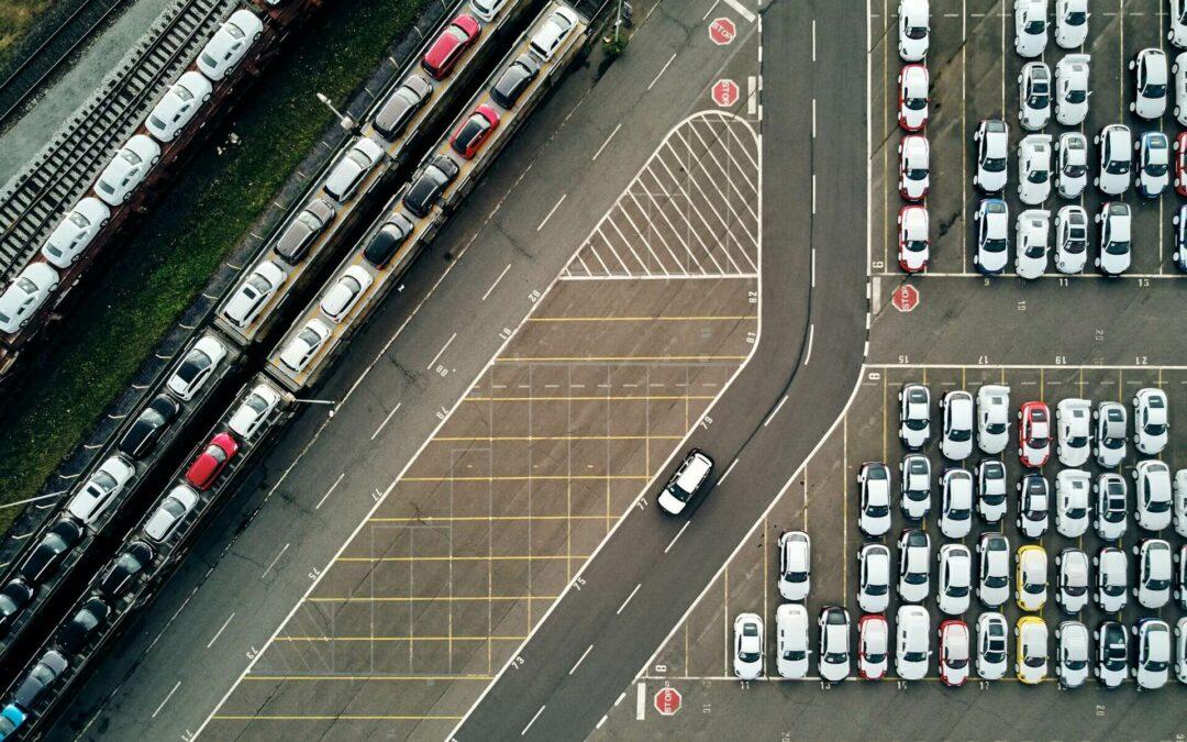 Künstliche Intelligenz unterstützt Planung und Steuerung des Autoumschlags in Häfen